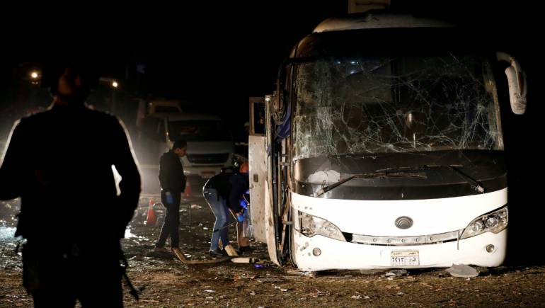 Militants killed after tourist bus bombed near Giza