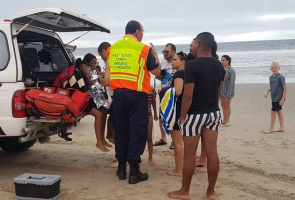 Three young women rescued from drowning in the ocean