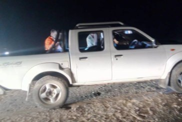 Hunt still on for fleeing desert poachers