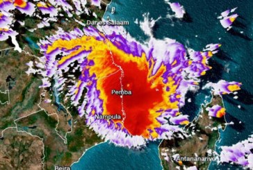 Thousands flee Cyclone Kenneth in Mozambique