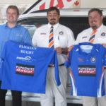 Pupkewitz donates rugby kits to Elnatan school